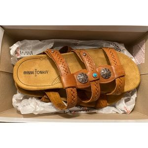 Minnetonka Baker Cognac Sandals 10